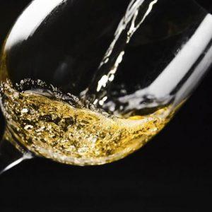 beneficios-y-propiedades-del-vino-blanco