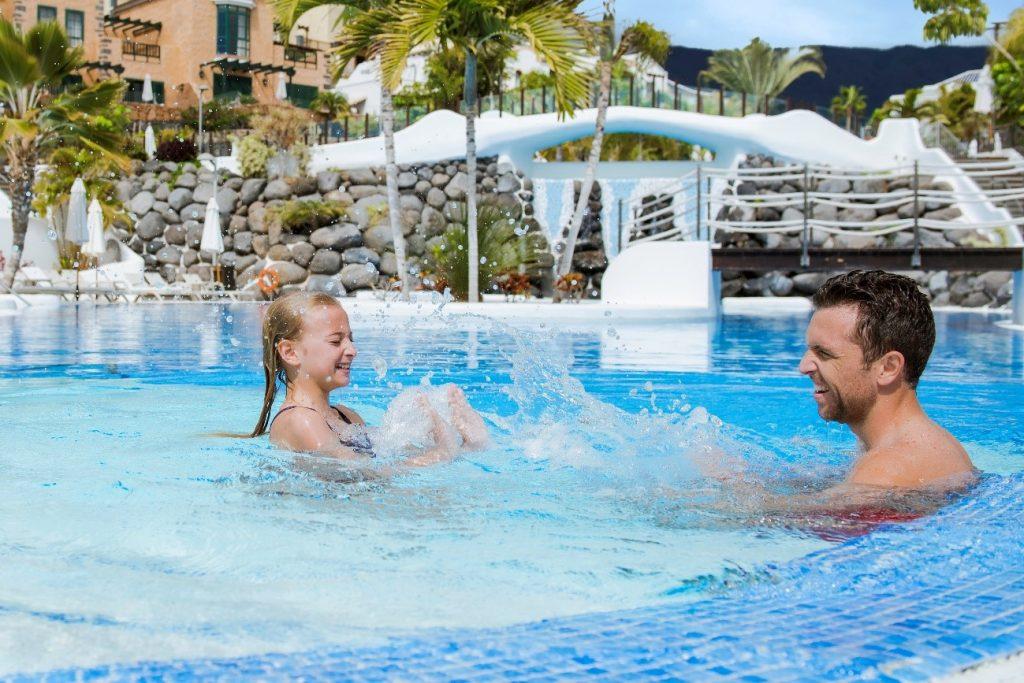 pool-winter